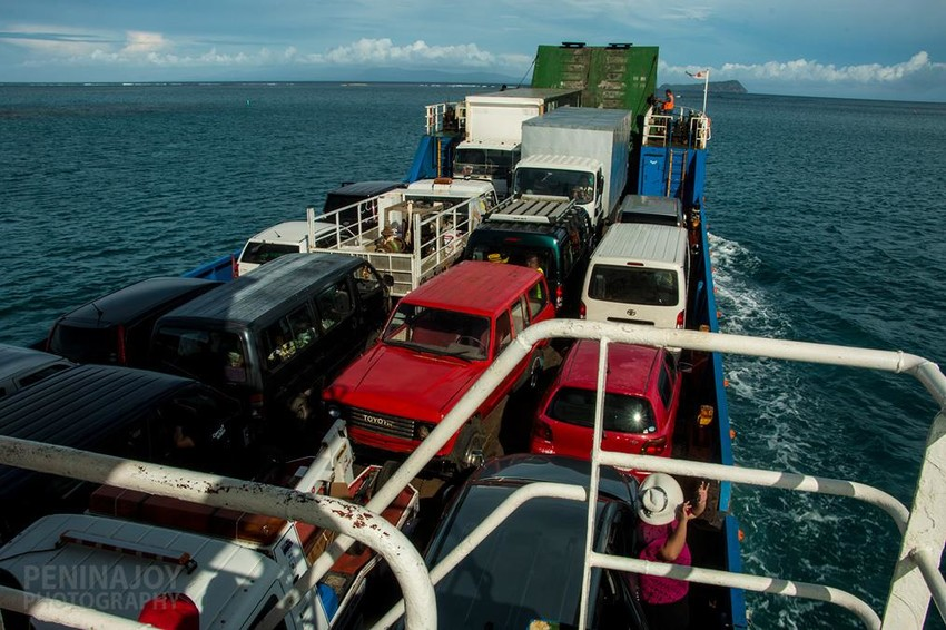 Cars lined up on the smaller ferry from Savai'i to Upolu