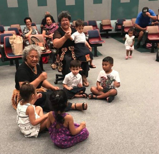 Joeys (Pre-schoolers) with teachers 'Iunisi Lane and Mele Ngauamo