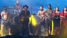 """WE KNOW THE WAY"" live at the Vodafone New Zealand Music Awards"