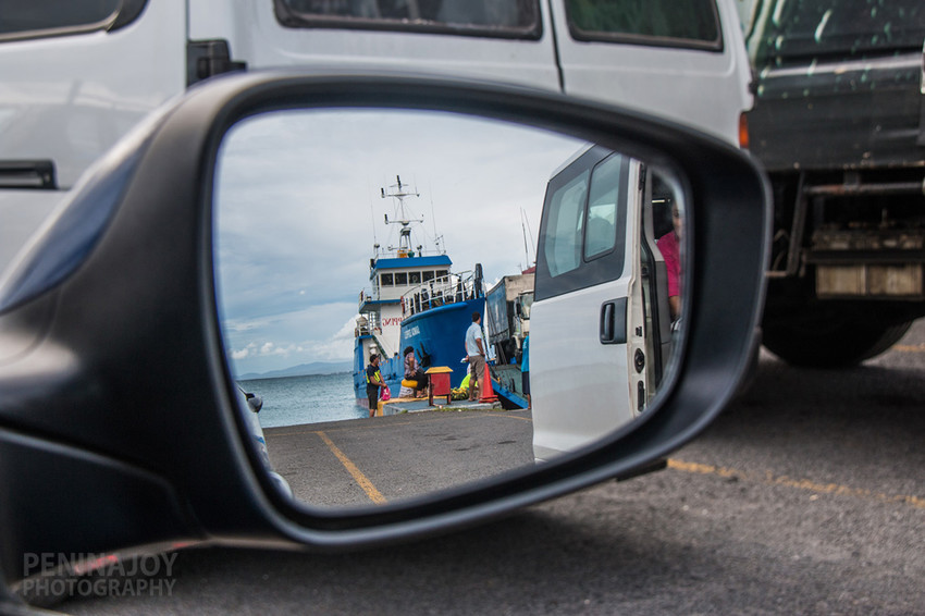 Lining up on the Savaii side to get on the ferry