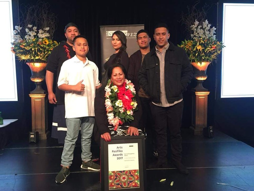 Teuila and her family supporting her Mum Noma at the Creative New Zealand Arts Pasifika Awards 2017