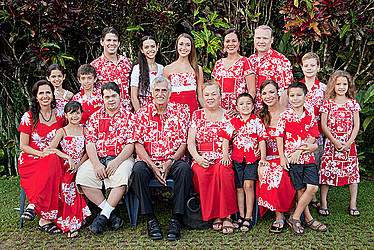 Joe Keil and his family. Photo by Samoa Observer