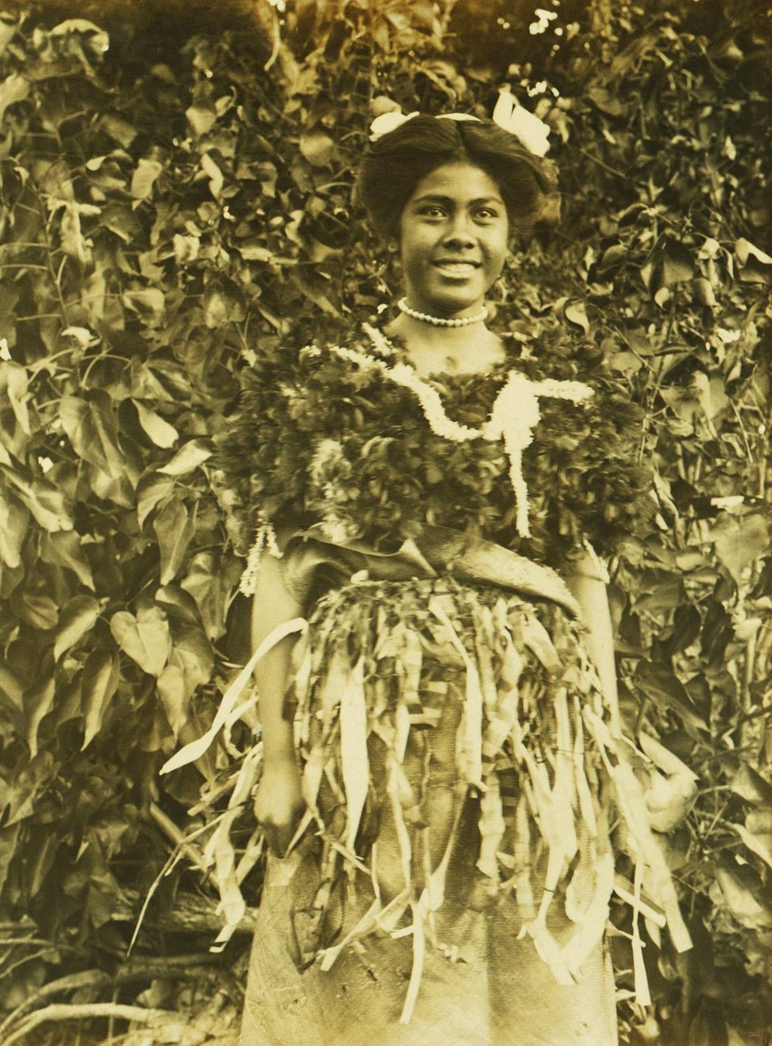 This photo appears to show Princess Sālote in traditional costume circa 1913-14. Klinkmüller Family Collection, Museum of Samoa