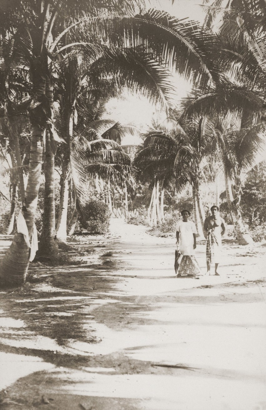 View along the Coast Road, Aleipata, 1915. Photo: Gesa Akkerman-Ohle Collection