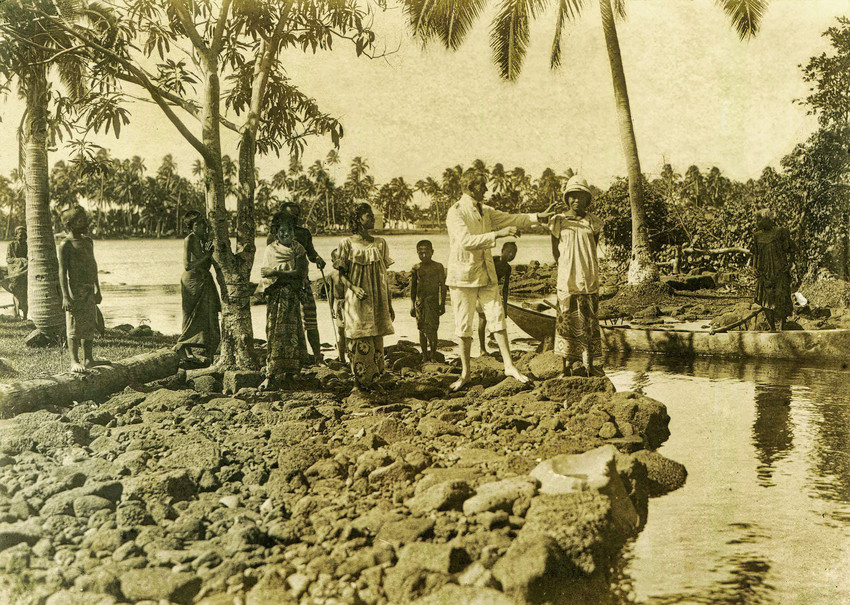 Safune lake and people, circa 1910. (Klinkmüller Family Collection)