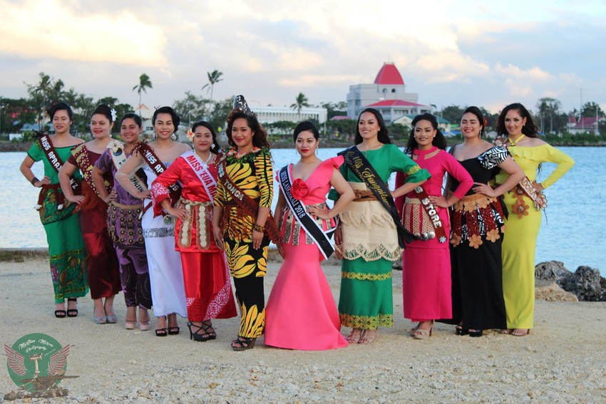 Miss Heilala 2018 contestants with the 2017 winner Ophelia Kava.