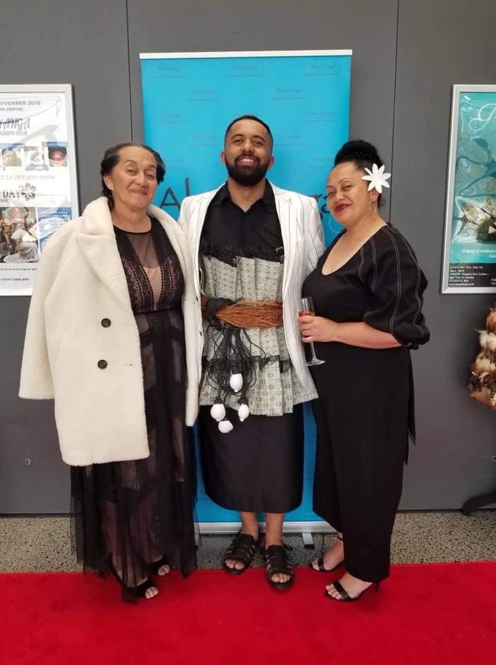Vivian with his Mum Ngametua & sister Puretu