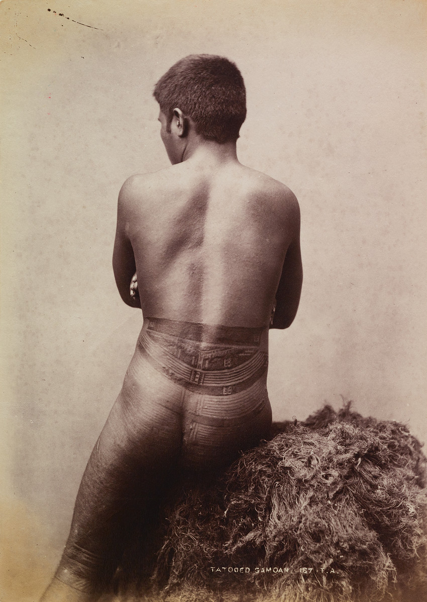 Fig. 31 Tattooed Sāmoan c. 1900, photograph by Thomas Andrew. Museum of New Zealand Te Papa Tongarewa, O.005772