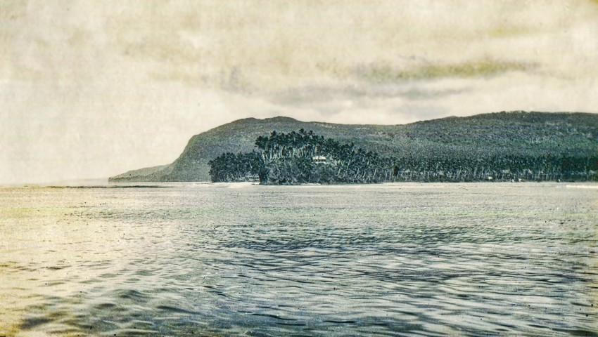 Coastline around Lalomanu, circa 1930. Photo: Hufnagel-Betham Family Collection